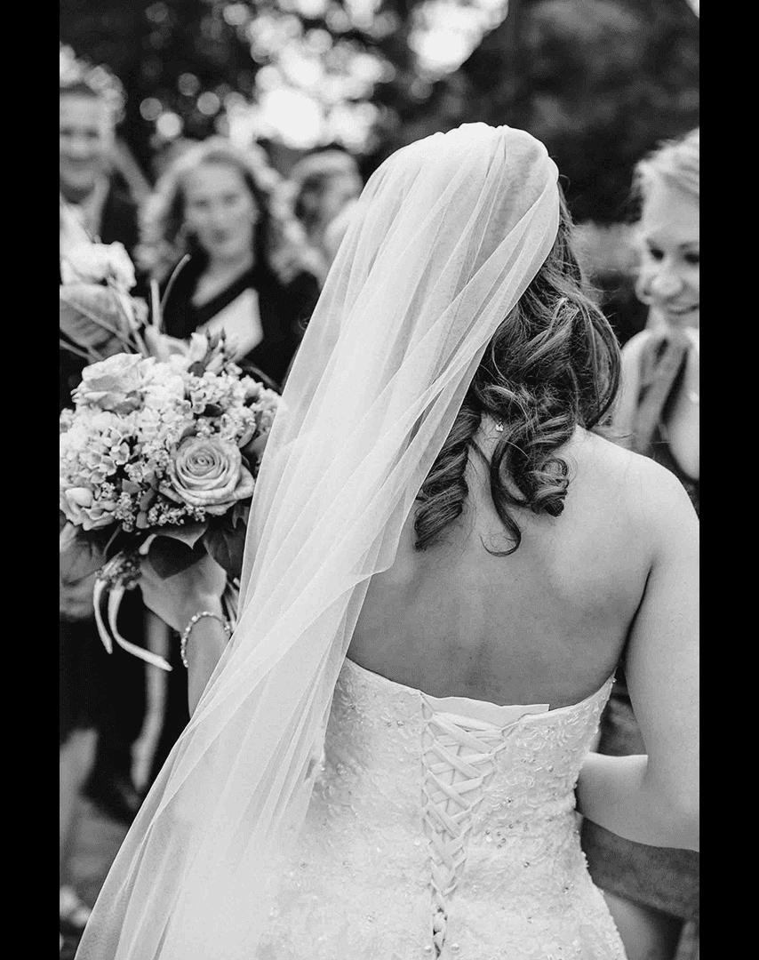 Los Angeles wedding photographer - Maleen Johannsen - bride with white dress